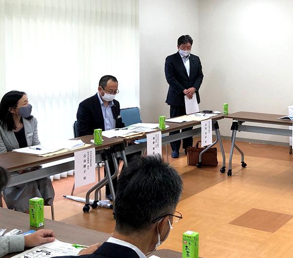 「ろくさん会館」での地元方々と県担当課長との意見交換会